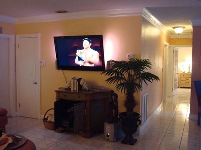 "52"" Flat Screen HDTV with theater-quality DaVinci Surround Sound System"