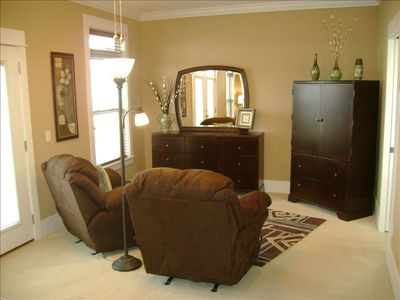 2nd Floor Master's Suite -- Private Sitting Area