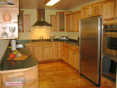 Gourmet Kitchen - Stainless Appliances, Gas Stove, Dual Ovens