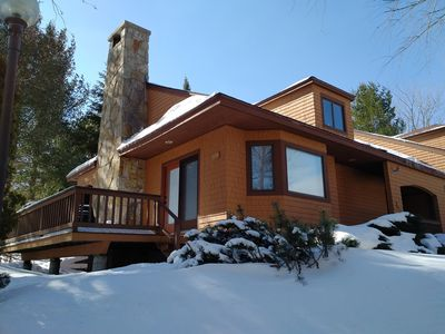 True SKI IN SKI OUT on Rosebrook slope! WIFI, SHUTTLE, spacious, plush!
