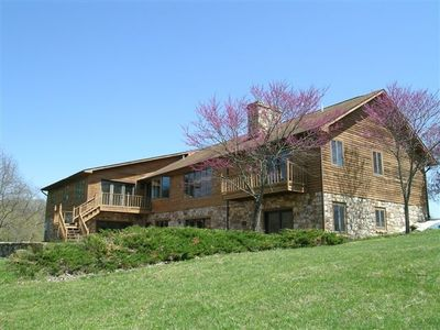 Shenandoah River Lodge - back view