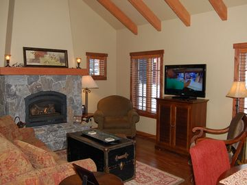 Living Room w/fireplace, 40 LCD TV and queen sofa bed w/air pump matress COMFY!
