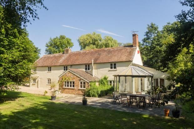 Hyde Beeches Secluded Detached Country Cottage Character