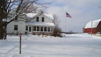 Lake Ann farmhouse rental - Farm house in the winter