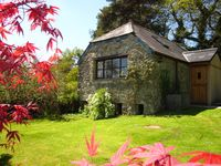 """""""The Tamar Orchard Barn"""" – studio in Cornwall with terrace, garden and mountain views"""