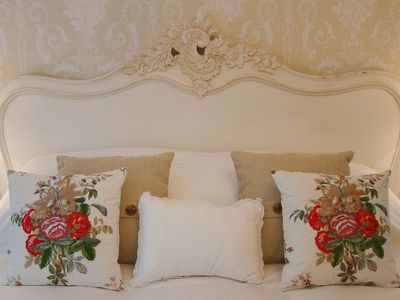 Charming Apartment With Garden & Private Parking - just for couples