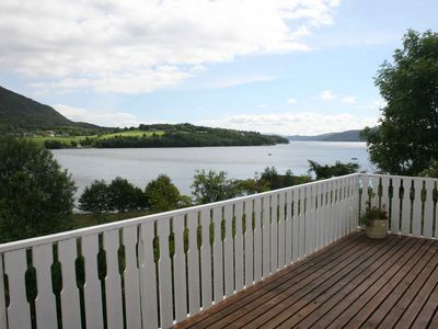 Attractive cottage with large garden and water property on Ålfjordfjord