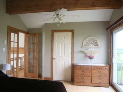 Clinton chalet rental - Master Bedroom - Upper level