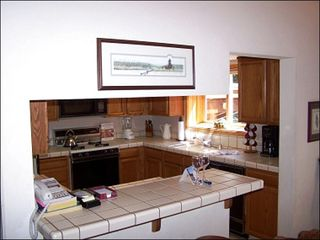 Agate Bay townhome photo - Fully Equipped Kitchen