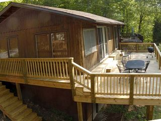 Huddleston cabin photo - Large deck with dining table for six