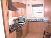 Glasgow City Centre Apartment (Free Wi-Fi Internet and Private Parking)