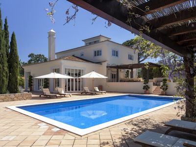 Luxury Large 5 bedroomed Villa With Private Pool and Gardens In Quinta Do Lago.