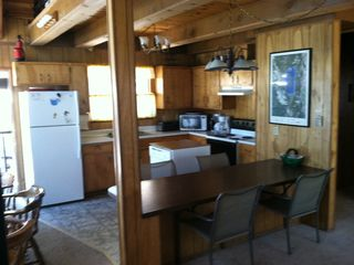 Pioneer Trail chalet photo - Kitchen and Bar