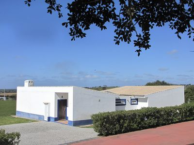 """Maningue Nice"" in Alentejo - modern villa, family-friendly, 6 pax, 3 bedroom"