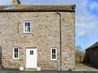 STABLE COTTAGE, pet friendly, with a garden in Boldron , Ref 13592
