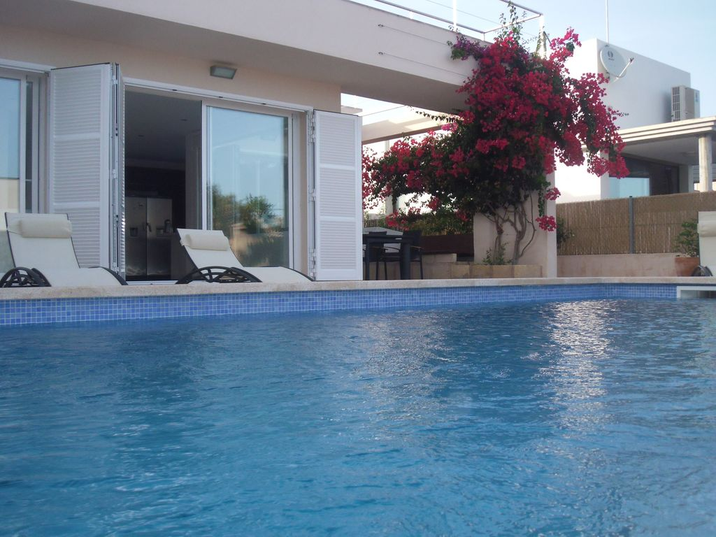 Can Flors Design Villa With Pool 1054571