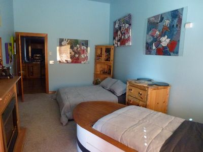 Queen Bed (sleeps 2) & kids Boat bed (sleeps 1) with adjoining kids bathroom