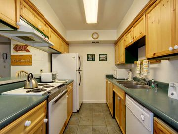 Totally remodeled, fully-equipped kitchen.