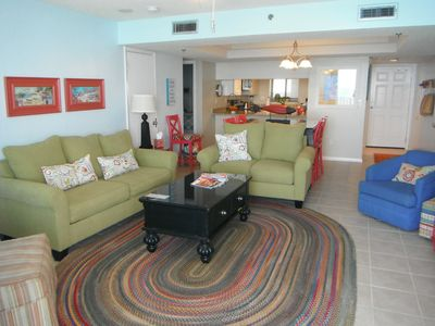 Enjoy a family friendly, beach happy atmosphere here in our 3 bd/3bth condo.