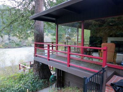 Private Riverfront Retreat in Wine Country. Kayaks year round. Pets Welcome.