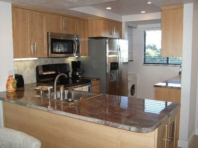 Newly remodelled Kitchen with Stainless Appliances and Granite Counters