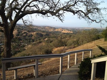 Atascadero house rental - Surrounded by beautiful views amongst the treetops