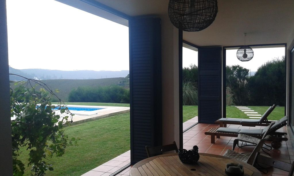 Accommodation near the beach, 25000 square meters, with pool