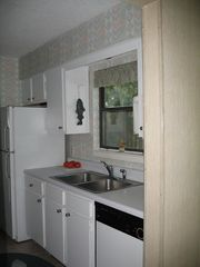 Sea Pines condo photo - Bright Kitchen