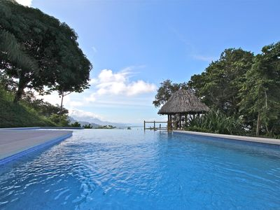 Dominical house rental - Infinity pool overlooking the southern coastline