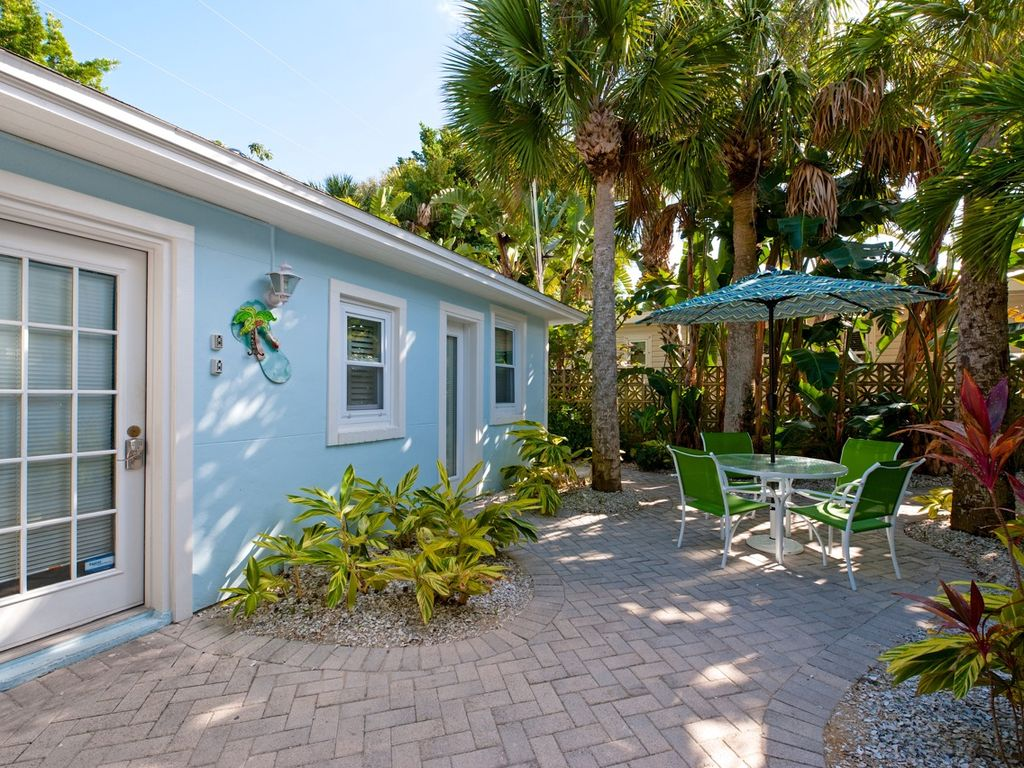 The Cottage 32 Steps To The Beach Sleeps 2 Vrbo