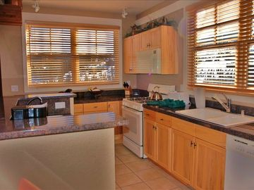 Large sunny kitchen (can fit several chefs), fully equipped, even expresso!