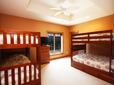"2 Bedrooms w/ Full Baths-   Each has double bunks and  a 32"" LCD/DVD to enjoy!"