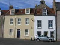 4-bedroom house overlooking harbour in East Neuk of Fife, 10 mins to St Andrews