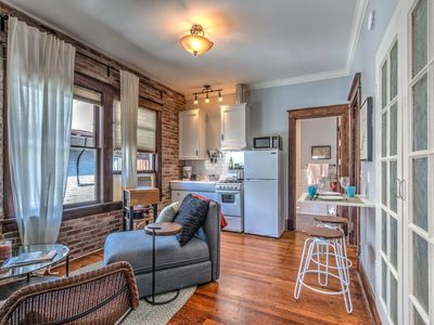 Classic woodwork & details in 1912 Colonial! - One Bedroom Apartment, Sleeps 2