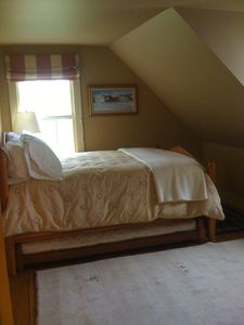 Woodstock farmhouse rental - Guest Bedroom