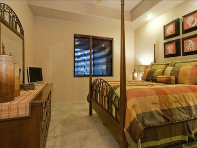 2nd Bedroom-Seaside Villa and Queen Size Bed