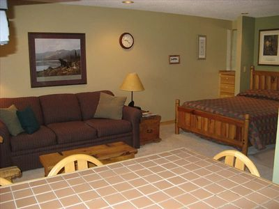 View of living area and bed - VRBO #40361