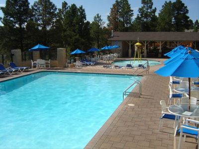 Wyndham Resort: pools, hot tub, mini golf, Theater Room, ping pong & pool, food.