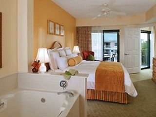 Port Royal villa photo - Master Bedroom w/ Jetted Spa Tub