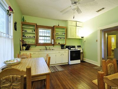 HOUSE: Large Country Kitchen, 2 eating areas