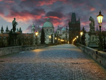 The amazing Charles Bridge in the evening