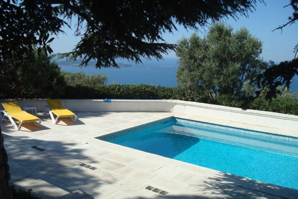 Holiday house, 180 square meters , Carquieranne, Provence and Cote d