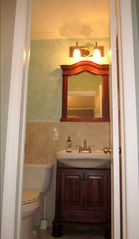 Pompano Beach house photo - Master Bathroom (1/2 Bath)