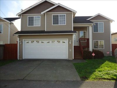 South seattle 6 BR /3 bath Home with double car garage