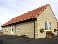 CHARLOTTES STABLE, family friendly in Longframlington, Ref 1922