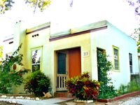 Historic cottage located on Pinellas Trail: Walk to Stadium, Water & Downtown