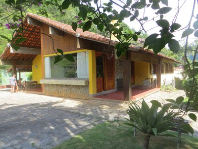 large colonial house, ventilated accommodates families or groups of up to 16 people