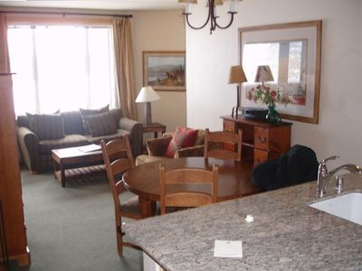 Mammoth Lakes condo rental - Dinning and sitting area...the couch pulls out into a bed.
