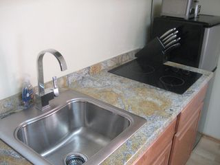Old Town studio photo - FULL KITCHENETTE WITH ALL UTENSILS