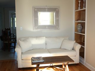 Bridgehampton cottage photo - Queen sleeper sofa in living room